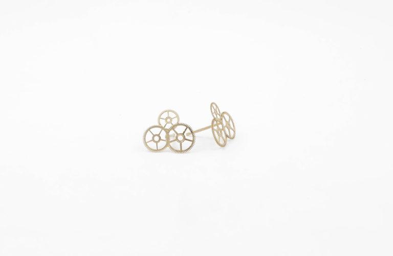 cumulus - clous d'oreilles par mka bricks creatrice bijoux en pieces d'horlogerie